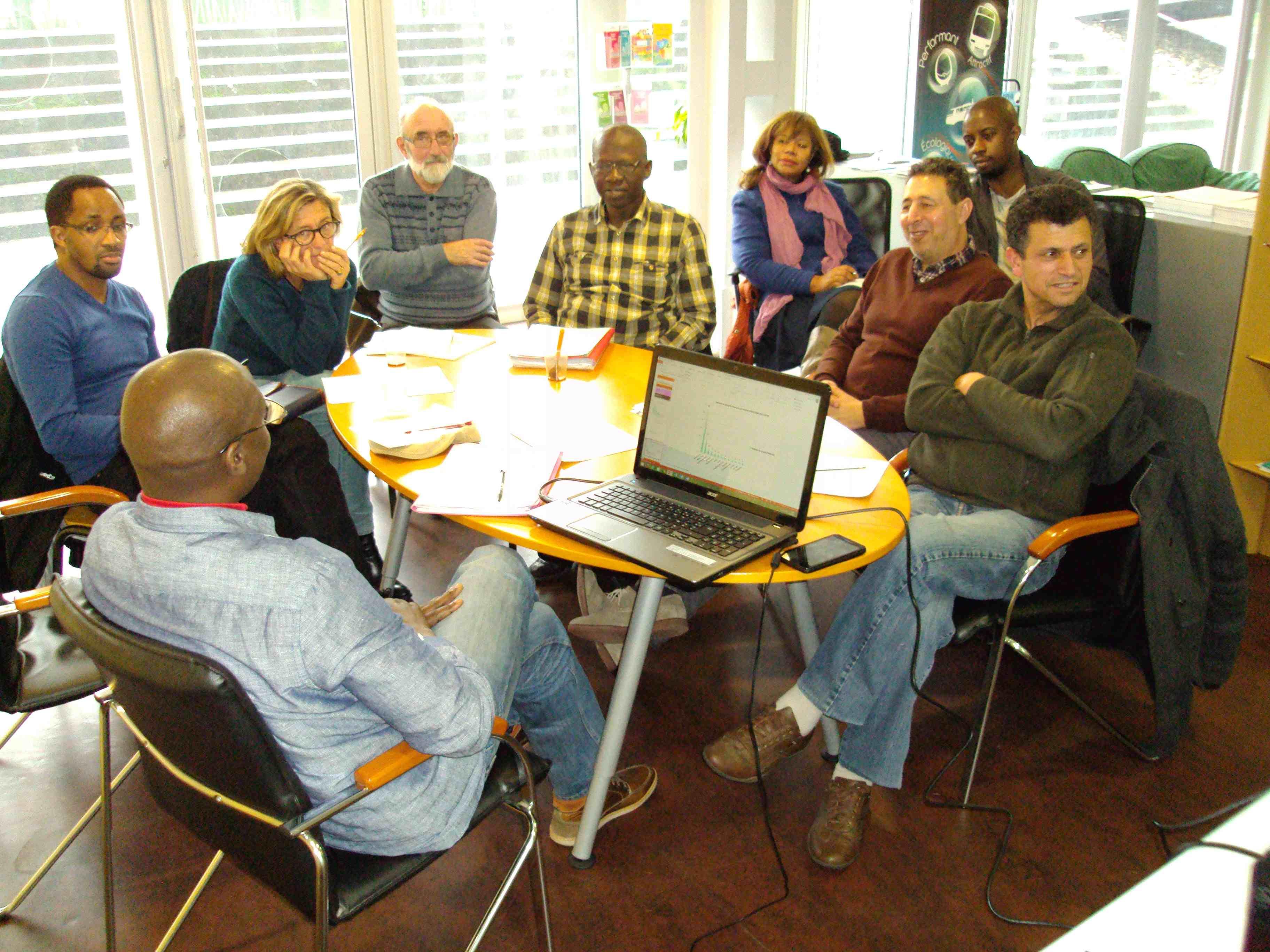 Des membres du COSIM Aquitaine lors d'une réunion d'information (PRA-OSIM 2015)